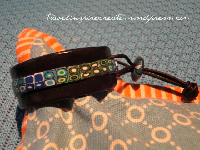 Brue and green bracelet - Pixelated Retro Blend cane and Stroppel cane | Travel Inspire Create