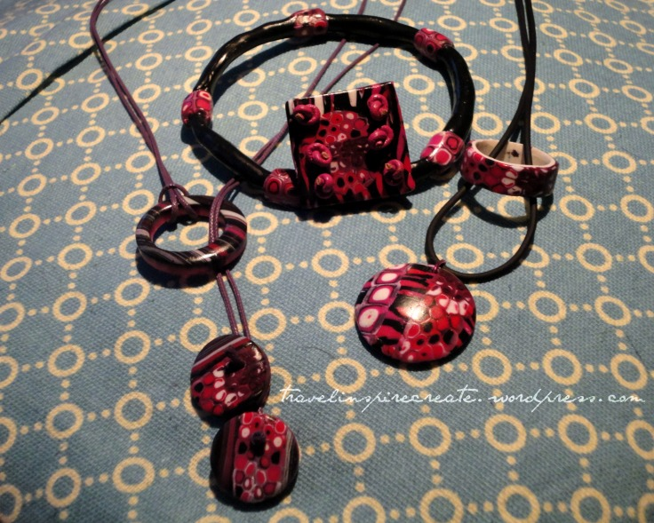 Red and pink jewelry - Pixelated Retro Blend cane and Stroppel cane | Travel Inspire Create